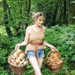 Miriam Kalisová v lese